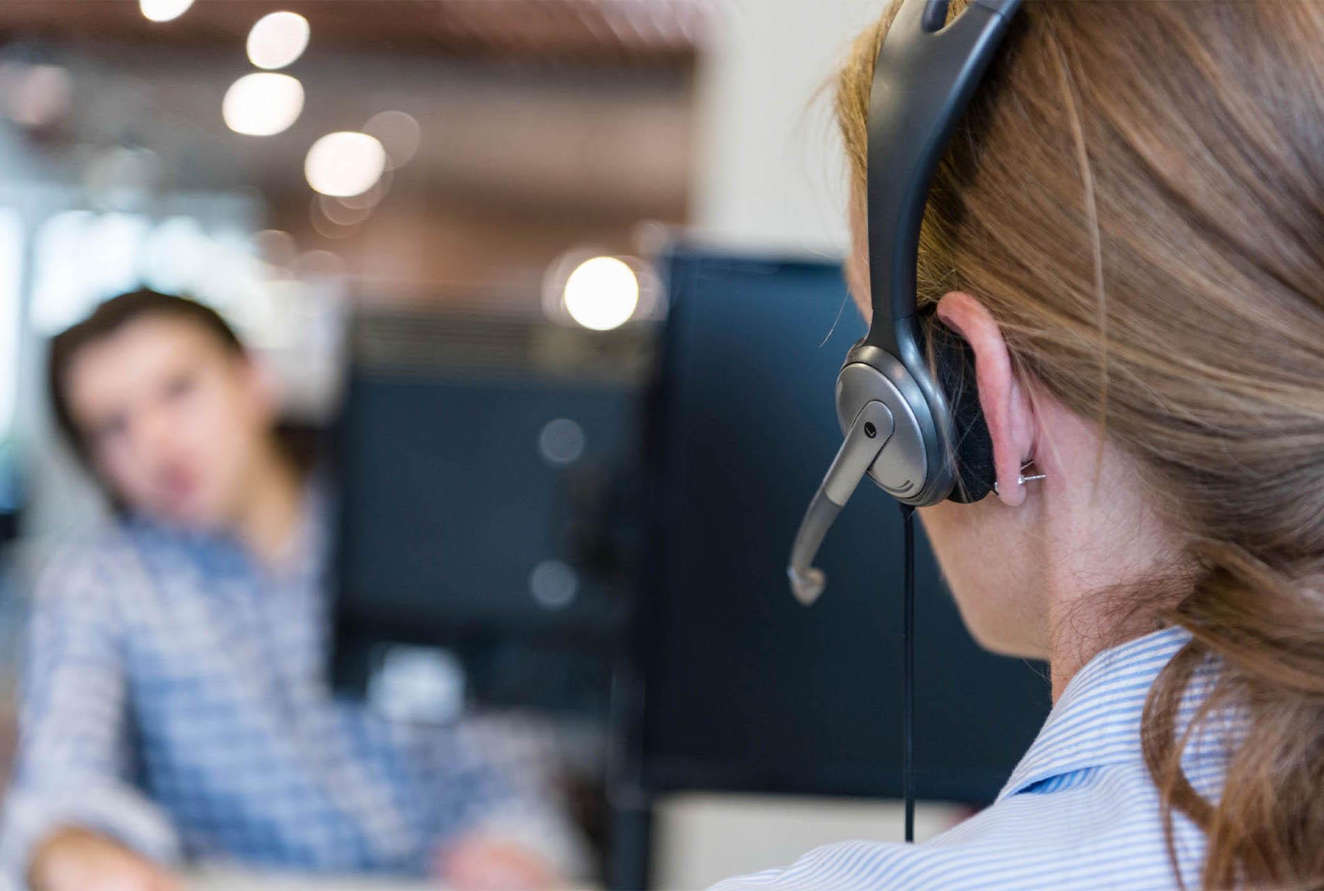 img_0009_female-support-phone-operator-PM2RKXR2-min