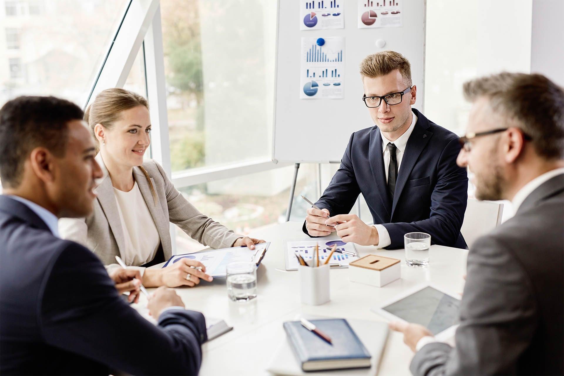 img_0012_business-meeting-PHW694U-min